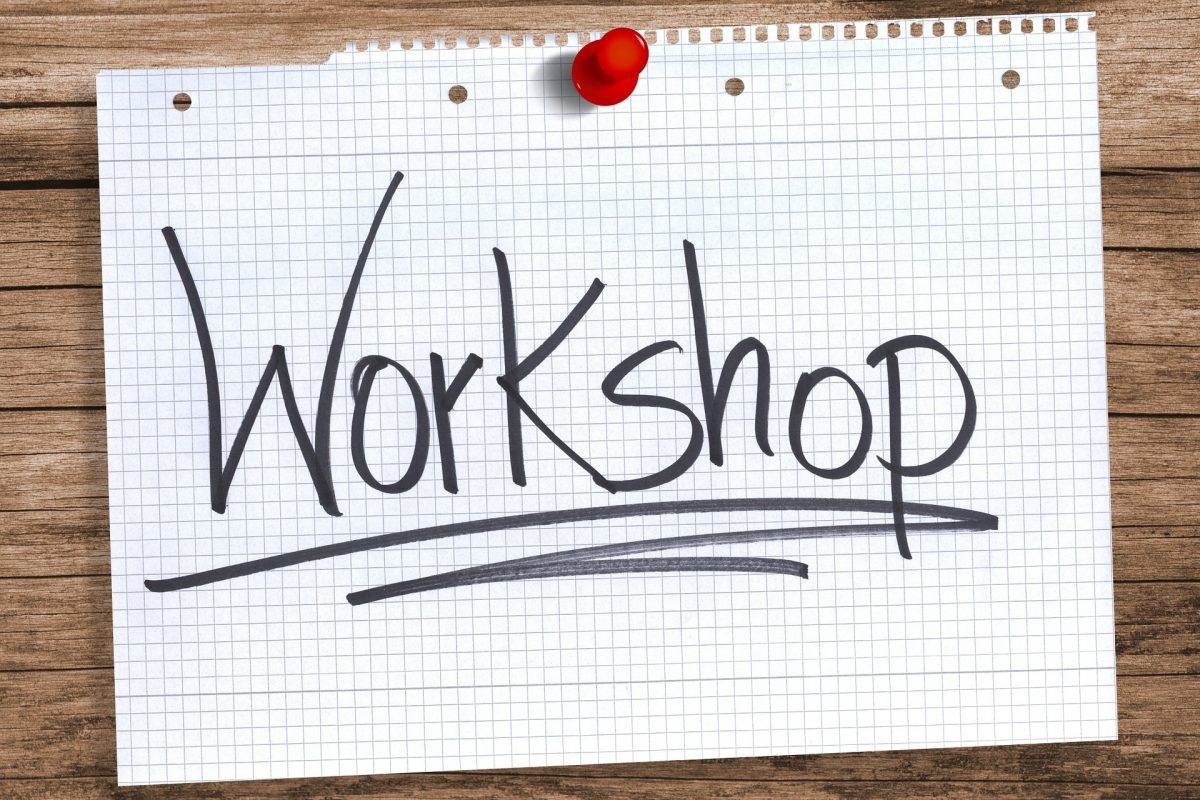 Wort workshop auf kariertem Papier