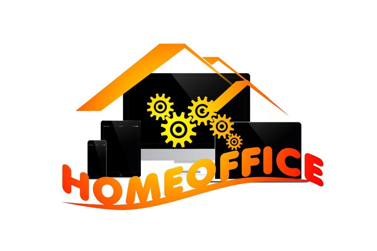 PC-Geräte mit dem Schriftzug HomeOffice